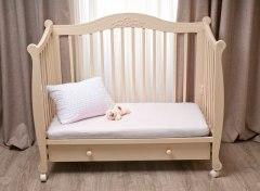 Купить Простынь на резинке в дет. кроватку 007100053 в розницу